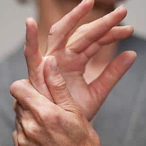 Как лечить щелкающий палец на руке