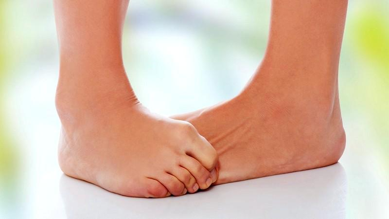 Что делать при разрыве или растяжении связок голеностопа