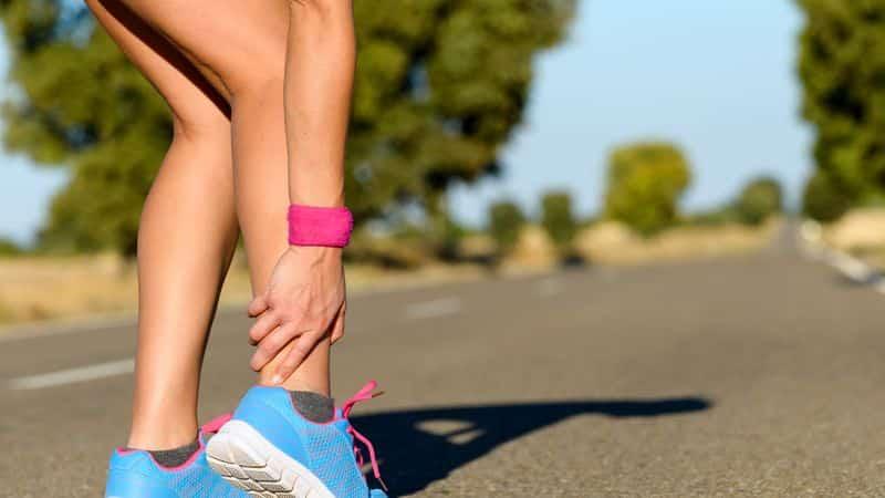 Как лечить надрыв икроножной мышцы