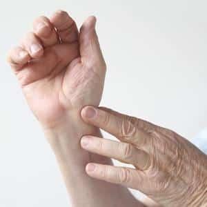 Что такое серопозитивный ревматоидный артрит и как его лечить