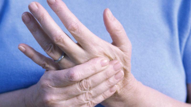 Что делать, если немеет рука от плеча до пальцев