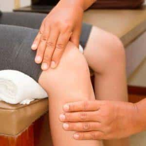 Что делать, если болит колено когда долго сидишь