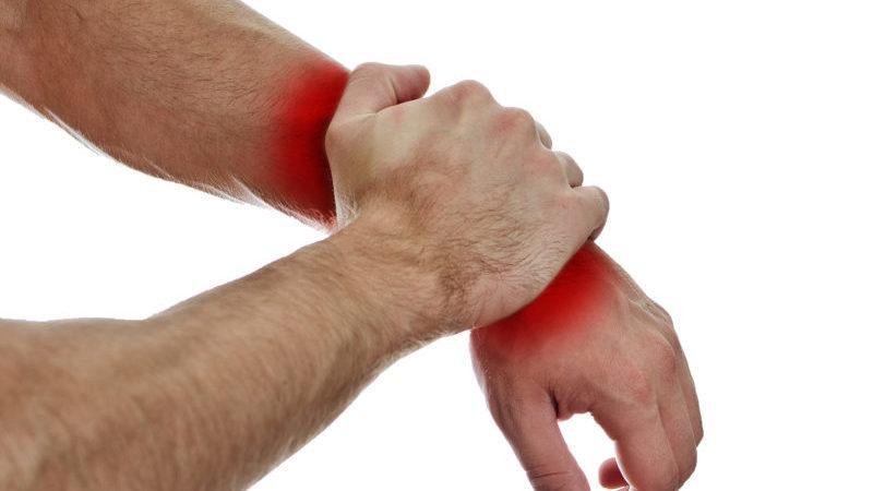 Что делать при ушибе руки