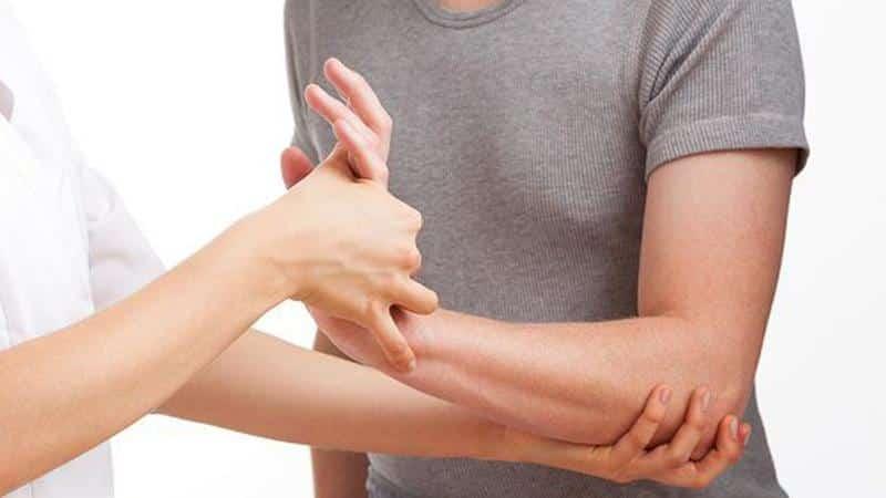 Что делать, когда болит рука от плеча до локтя