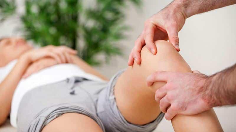 Что может значить тяжесть в коленях