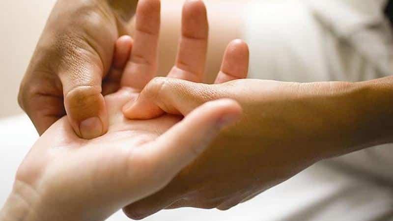Как лечить растяжение или разрыв связок пальца