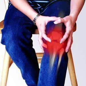 Почему может болеть колено сбоку с внешней стороны