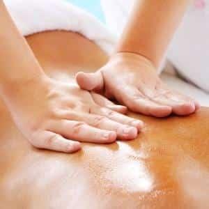 Чем полезен медовый массаж для спины