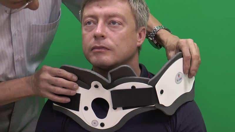 Как носить бандаж для шеи при остеохондрозе