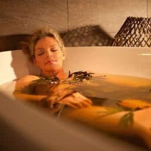 Чем полезны минеральные ванны для ОДА