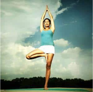 Помогает ли йога при остеохондрозе