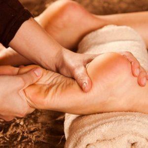 Как делать массаж пяток при пяточной шпоре
