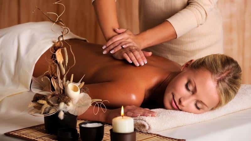 Как делать массаж спины