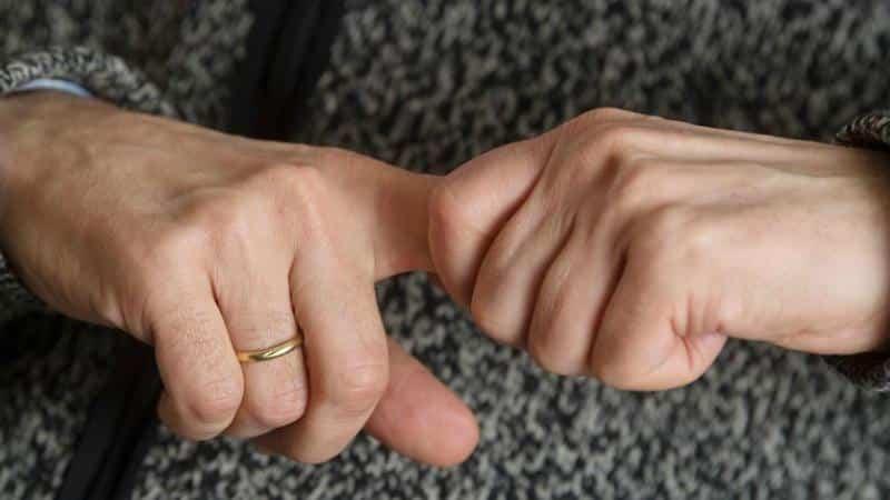 Почему нельзя хрустеть пальцами на руках