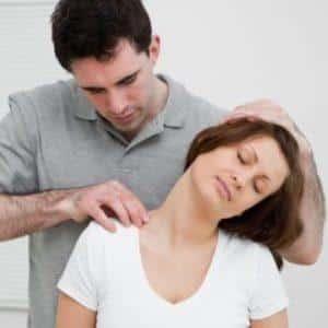 Что делать, если хрустит шея при повороте головы