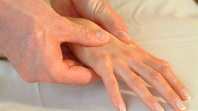 Как проходит хирургическое удаление гигромы