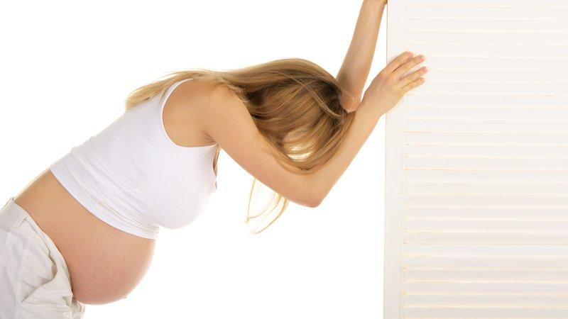 Что делать, когда болит поясница при беременности