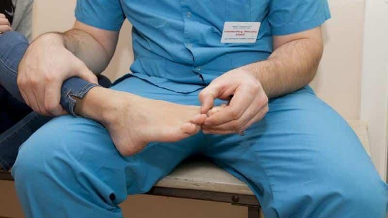 Что делать, когда болят ноги от колена до ступни