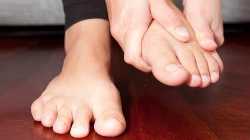 Как лечить шишки на суставах пальцев ног