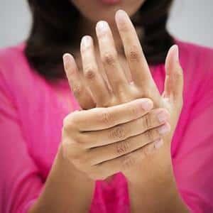 Что делать, если болит кисть руки