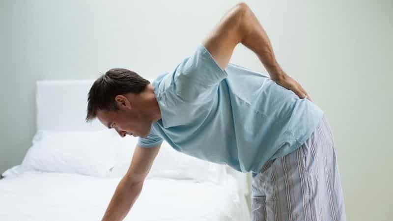 Что делать, если болит поясница после сна