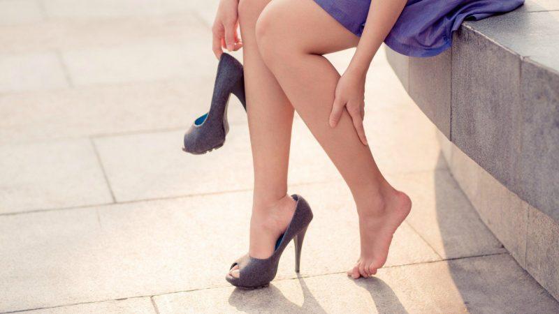 Как лечить тянущую боль в ногах