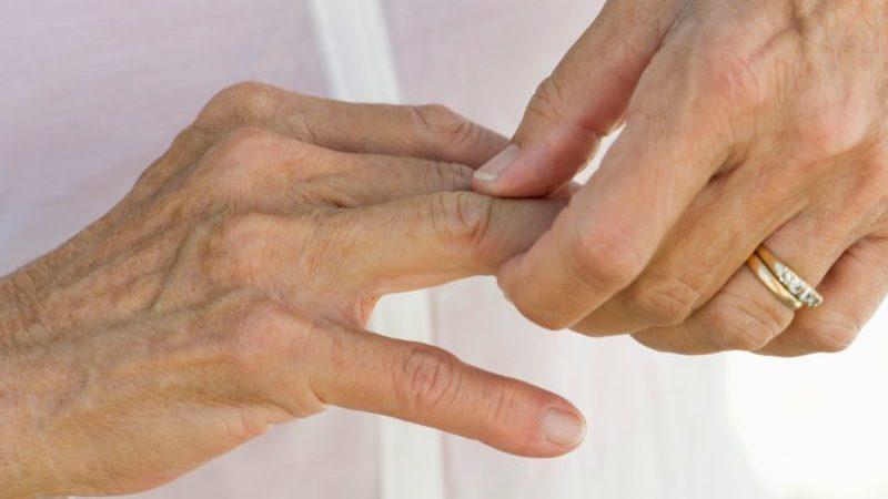 Почему горят пальцы рук