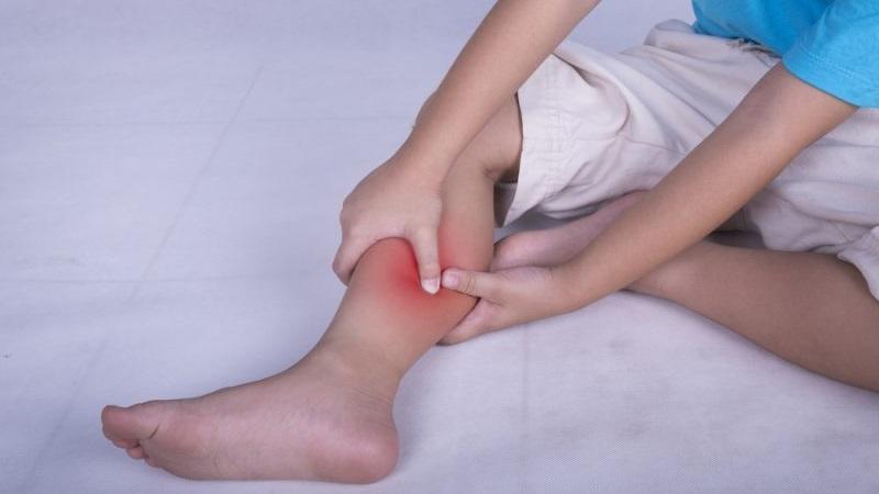 что делать если ноги ноют и болят ночью thumbnail