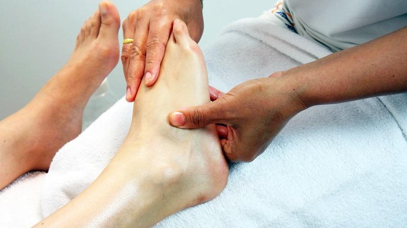 Почему болят ноги ниже колена по ночам thumbnail