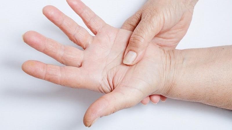 Что делать, когда немеют пальцы на руках