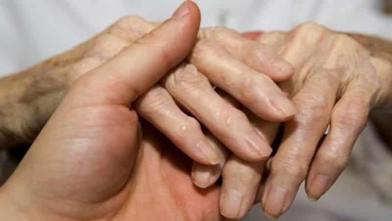 Что делать, если растут косточки на пальцах рук