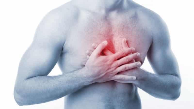Что делать, если болит грудная клетка при нажатии
