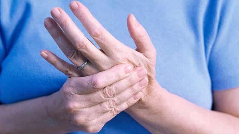 Что делать, когда болят пальцы на руках